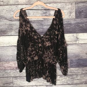 ▪️Free People▪️Bleach Dyed Cold Shoulder Blouse